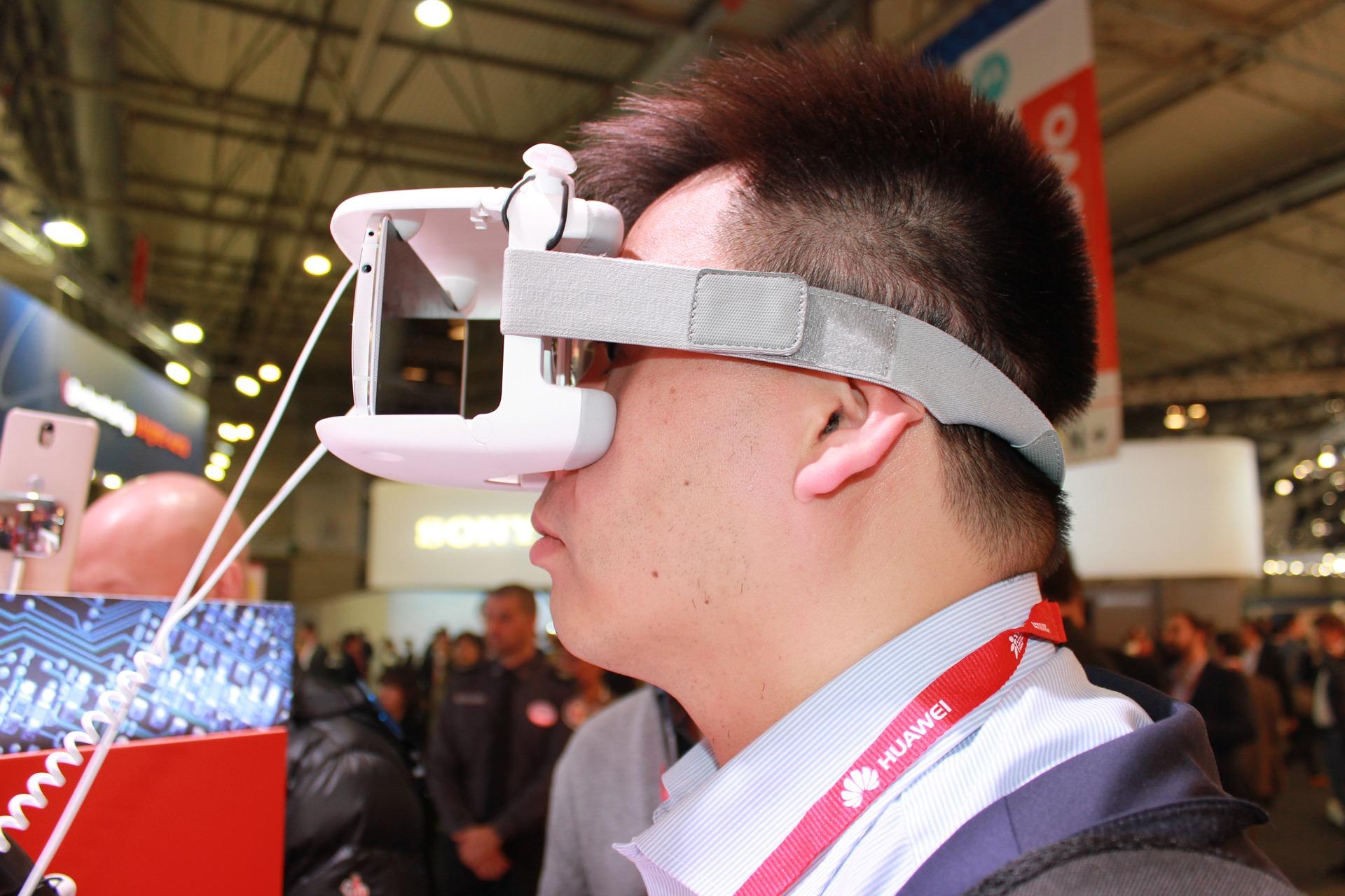 virtual-reality-1237523_1920.jpg